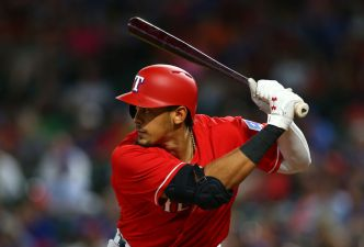 Guzman HRs Again, Drives in 3 as Rangers Beat Royals