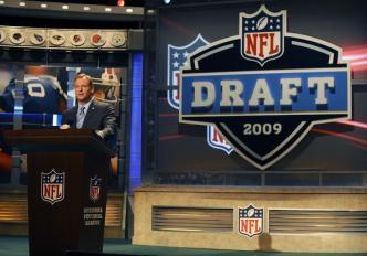 Report: Cowboys Looking At Potential Trades