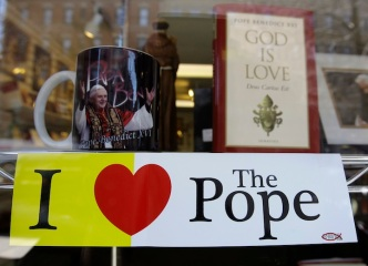 Memorabilia Vendors Prepare for New Pope