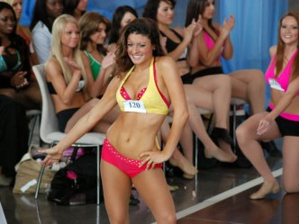 More Than 600 Audition to be Dallas Cowboys Cheerleaders