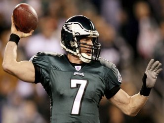 Eagles, Cowboys Tied Up at Half, 7-7