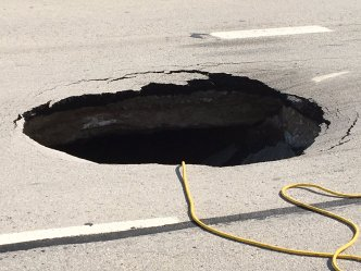 Sinkhole in Haltom City Shuts Down Loop 820 Service Road