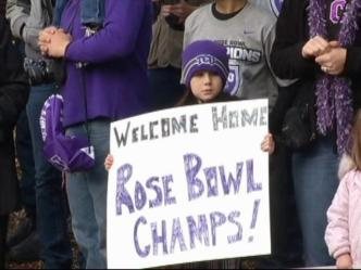 TCU Fans Welcome Team Home