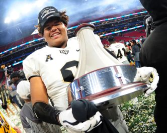 Cowboys Add to D-Line With UCF's Trysten Hill in 2nd Round