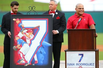 Pudge's No. 7: Rangers Retire Hall of Fame Catcher's Jersey