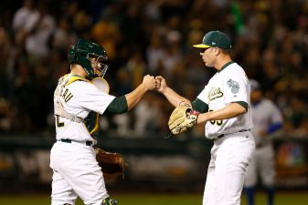 Maxwell Kneels for Anthem, Davis Belts 40th as A's Top Texas