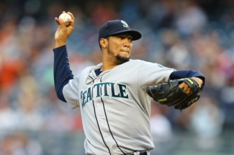 Rangers Acquire RHP Hector Noesi From Mariners
