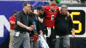 Texas Tech Quarterback Injured in Loss to Ole Miss