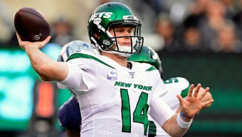 Darnold Throws 2 TDs in Return, Jets Edge Cowboys
