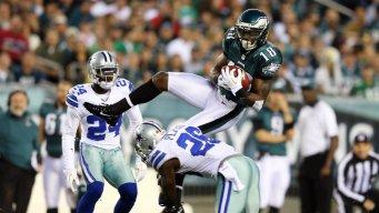 Cowboys Lead Eagles At Half, 10-7