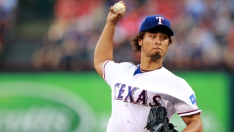 """Angels' Torii Hunter Impressed By """"Absolutely Filthy"""" Yu Darvish"""
