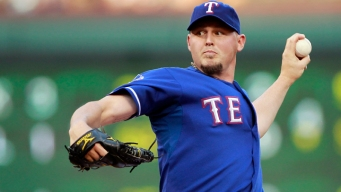 5-Hitter Helps Rangers Beat Seattle