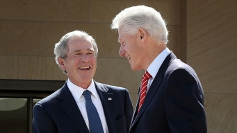 Clinton, Bush to Be Final Four Guests of Jerry Jones