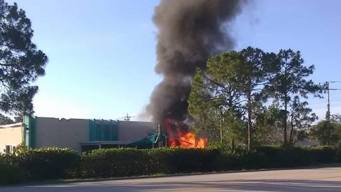 1 Dead After Plane Crashes Into Fla. Day Care Building