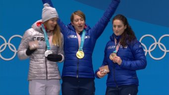 Medal Ceremony: Lizzy Yarnold Collects Second Straight Gold