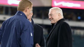 Jerry Lavishes Praise on AT&T Stadium Crowd