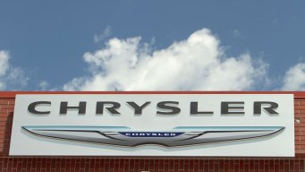Chrysler Recalls Nearly 297K Vehicles Over Air Bags
