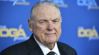 Keith Jackson, 89, Announcer With 'Whoa, Nelly!' Call, Dies