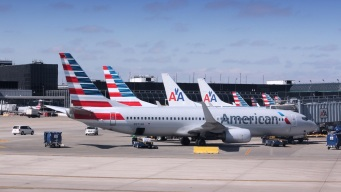 American Airlines Posts Record Profit for 4Q, 2015