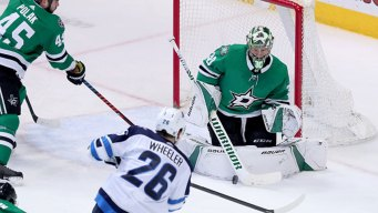 Bishop Records 3rd Straight Shutout, Stars Beat Sabres 2-0