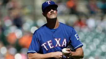 Tigers Chase Hamels in 7-Run First to Beat Rangers