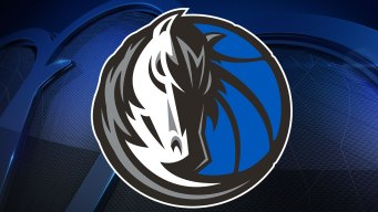 Barnes Scores 30, Mavs Hand Knicks Eighth Straight Loss
