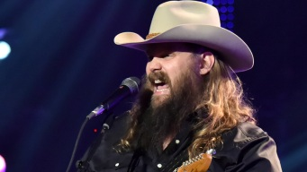 Chris Stapleton to Headline First Event at Globe Life Field