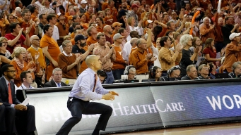 UT Basketball Coach Smart Gets Raise, Contract Extension