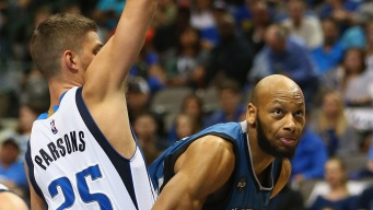 Mavs Start Fast in 128-101 Win Over T-Wolves