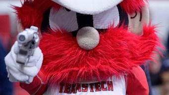 Coastal Carolina Eliminates Texas Tech From CWS