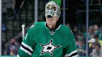 Stars Edge Canucks 2-1