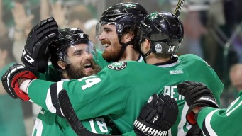 Stars Win 4-2 Over Ducks in Opener Matching Division Champs