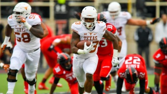 Texas' 2,000-Yard RB Foreman Declares for NFL Draft