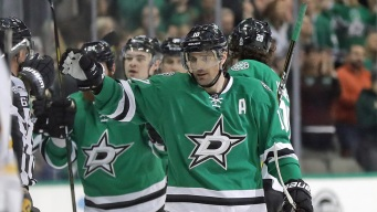 Patrick Sharp's 2 Goals Help Stars Rally Past Sabres, 4-3
