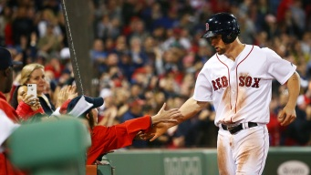 Red Sox Score 7 in 7th to Beat Rangers 9-4