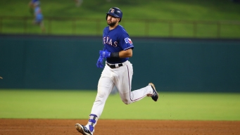 Another Long Gallo HR, Texas Skid Ends With 5-1 Win Over M's