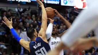 Barea, Mavs Spoil Leonard's Return With Win Over Spurs