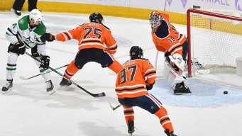 Benn Scores in OT as Stars Beat Oilers