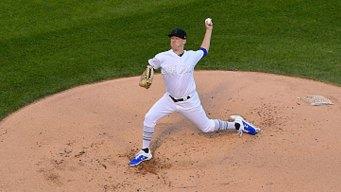 Rookie Allard Dominant as Rangers Beat White Sox