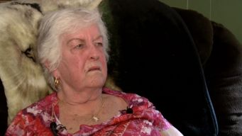 82-Year-Old Woman Fights Off Purse Snatcher