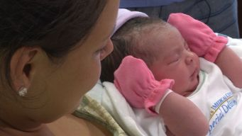 Texas Mom Gives Birth On Side of Road