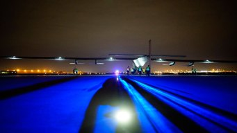 Solar Impulse Lands in Wright Brothers' Ohio Hometown