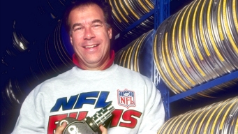 """Jerry Jones Remembers Steve Sabol, """"One of the Greatest Storytellers of Our Time"""""""