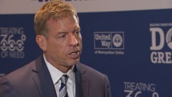 Cowboys Legend Helps Launch United Way Campaign