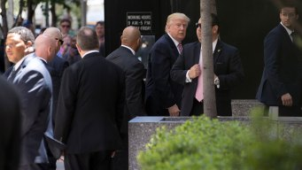Trump Pitches to GOP Donors