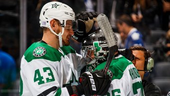 Anton Khudobin Makes 31 Saves, Stars Beat Maple Leafs