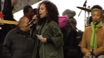 Alicia Keys Speaks at DC Women's Rally: 'I Rise'