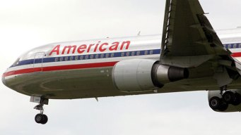 AA Jet Makes Emergency Landing at D/FW Airpport