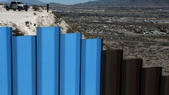 US Seeks Samples for 30-Foot-High Wall on Mexican Border