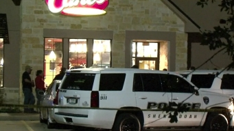 Man Killed, Bystanders Hurt in Texas Restaurant Holdup